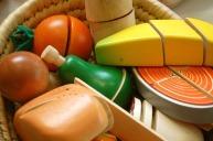 També tenim unes bosses d'aliments de tallar assortides (fusta+ganivet + 6 peces) al preu de 16 €.
